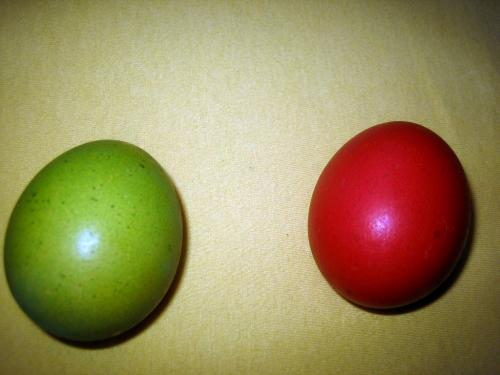 Rotes und Grünes Osterei