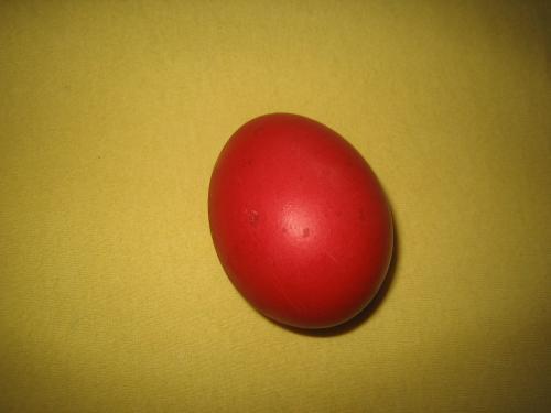 Rotes Osterei